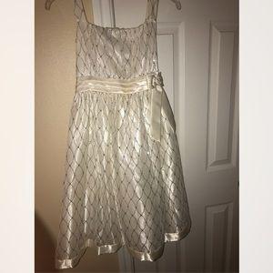 Dresses & Skirts - Girls formal dress